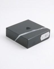 MS0115_1_sokkel_graniet_65x65x20_ZW