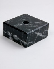 MS0117_2_sokkel_graniet_65x65x30_ZW